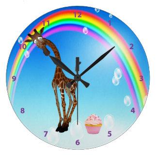 Jirafa magdalena y arco iris caprichosos reloj de pared
