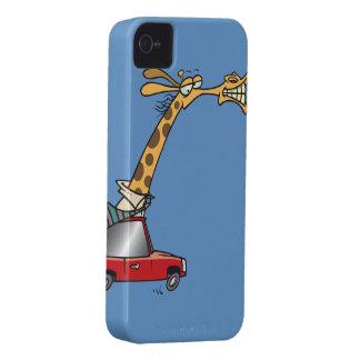 jirafa tonta divertida en un coche que conmuta iPhone 4 Case-Mate carcasa