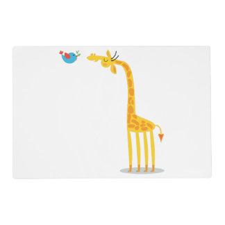 Jirafa y pájaro lindos del dibujo animado salvamanteles