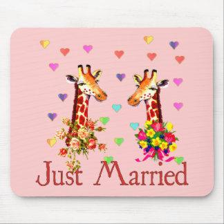 Jirafas del boda alfombrilla de ratón