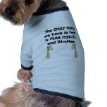 Jirafas del miedo sí mismo camisa de mascota