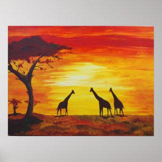Jirafas en la puesta del sol (arte de Kimberly Tur Posters