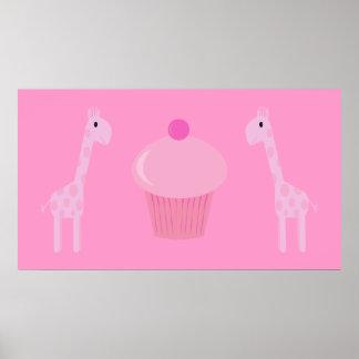 Jirafas y magdalena rosadas lindas del dibujo anim póster