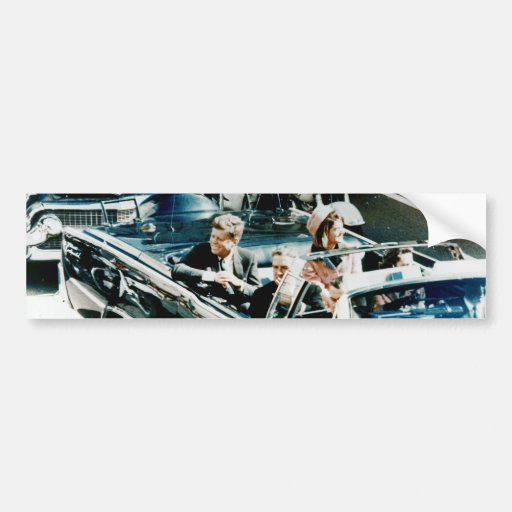 John F. Kennedy y Jackie en el desfile de automóvi Etiqueta De Parachoque