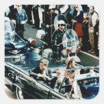 John F. Kennedy y Jackie en el desfile de automóvi Colcomania Cuadrada