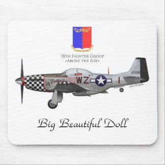 """John Lander' s P-51 """"Big Beautiful Doll """" Alfombrillas De Ratón"""