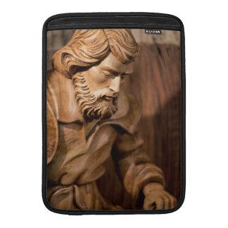 José talló la madera fundas MacBook