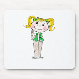 Joven del girl scout que guarda la promesa mousepads