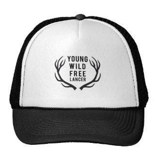 joven, salvaje, libre, freelancer con las astas de gorros