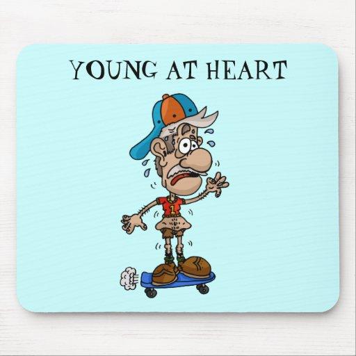 Jóvenes en la estera del ratón del corazón alfombrillas de ratones