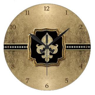 Joya del vintage de la flor de lis de la mirada de relojes de pared
