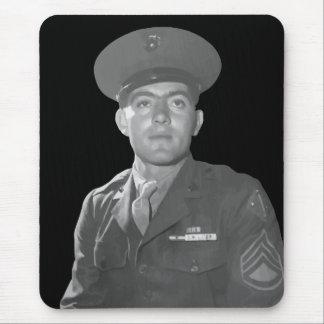 Juan Basilone -- Beneficiario de la medalla de Alfombrilla De Ratón