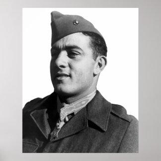 Juan Basilone -- Héroe WW2 Poster