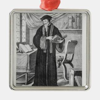 Juan Calvino Adorno Cuadrado Plateado