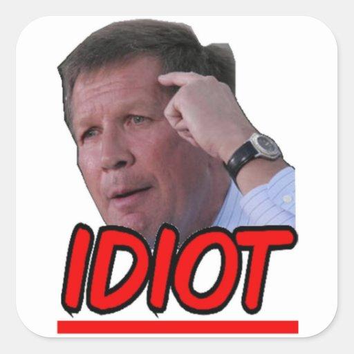 Juan Kasich - gobernador de Ohio del idiota Pegatina Cuadrada