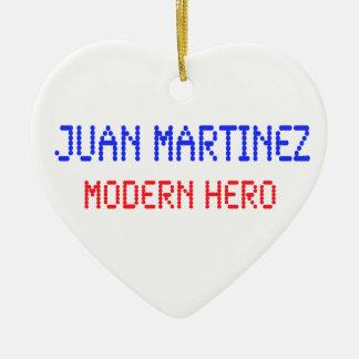 Juan Martínez - héroe moderno Adorno Navideño De Cerámica En Forma De Corazón