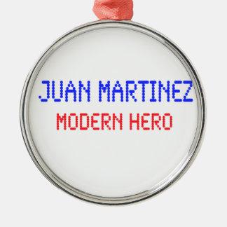 Juan Martínez - héroe moderno Adorno Navideño Redondo De Metal
