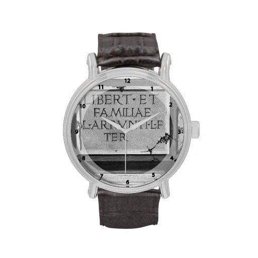 Juan Piranesi- las antigüedades romanas de una tum Reloj