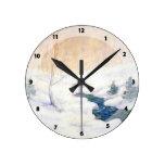 Juan Twachtman: Corriente del arbolado en paisaje  Reloj De Pared