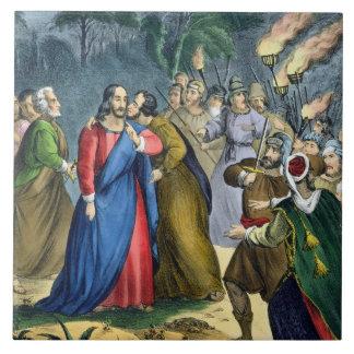 Judas traiciona su amo, de una biblia impresa cerc azulejo cuadrado grande