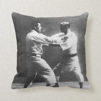 Judo de Judoka Jigoro Kano Kyuzo Mifue del japonés Almohadas