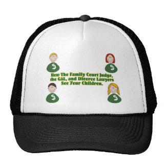 Jueces y niños gorras