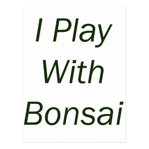 Juego con el texto del verde de los bonsais postal