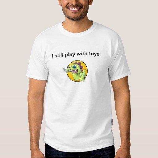 Juego con los juguetes camisas