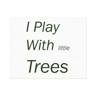 Juego con los pequeños árboles impresión en lienzo