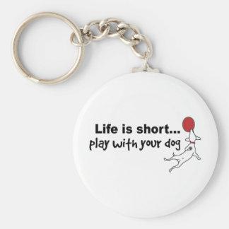 Juego con su perro llavero redondo tipo pin