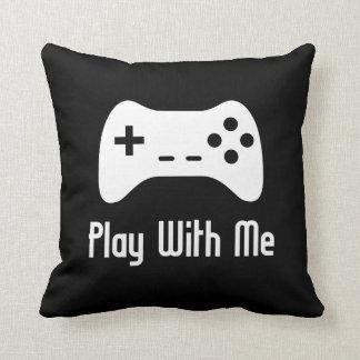 Juego conmigo videojuego (negro) cojín