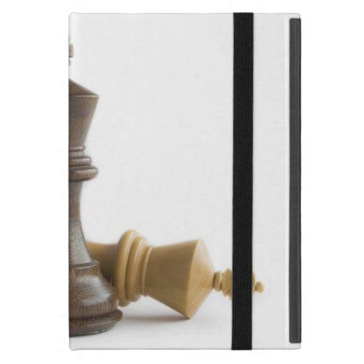 Juego de ajedrez encima iPad mini fundas