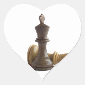 Juego de ajedrez sobre los pegatinas pegatina en forma de corazón