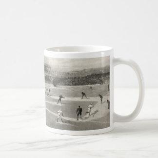 Juego de béisbol del vintage taza clásica