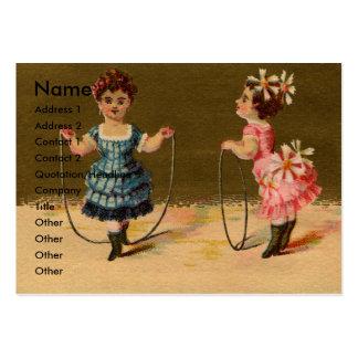 Juego de dos chicas con la cuerda y el aro tarjetas de negocios