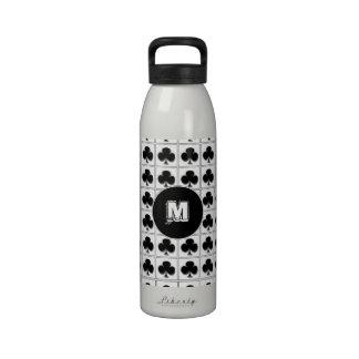 Juego de la tarjeta de los clubs con el monograma botellas de agua reutilizables