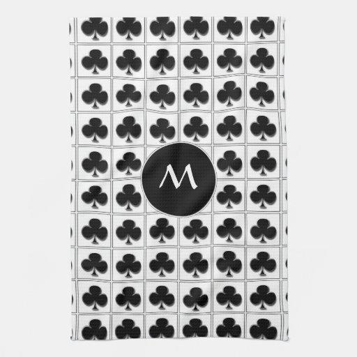 Juego de la tarjeta de los clubs con el monograma toalla