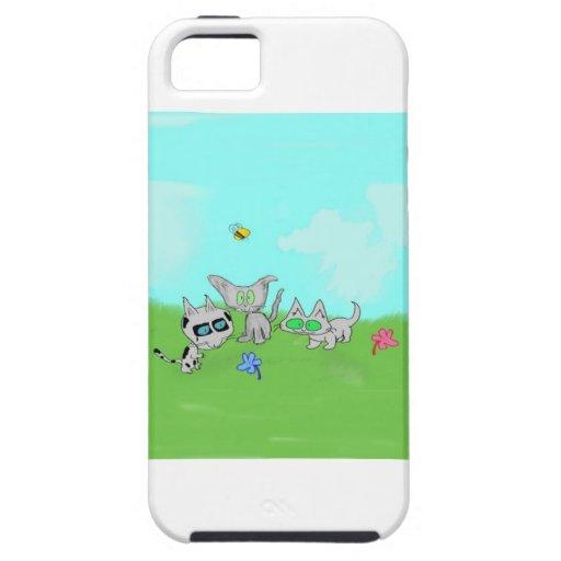 Juego de los gatos en un campo en el verano Sun iPhone 5 Cárcasa