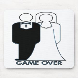 Juego de novia y del novio del boda encima tapetes de raton