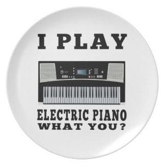 Juego el piano eléctrico plato de cena