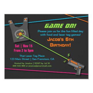 """Juego en fiesta de cumpleaños de la etiqueta del invitación 4.25"""" x 5.5"""""""