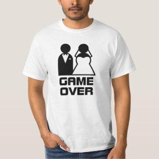 juego encima camisas