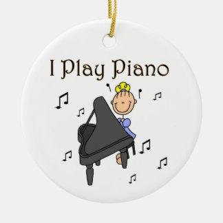 Juego las camisetas y los regalos del piano adorno navideño redondo de cerámica