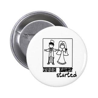juego sobre el juego comenzado a casar la camiseta pin redondo 5 cm