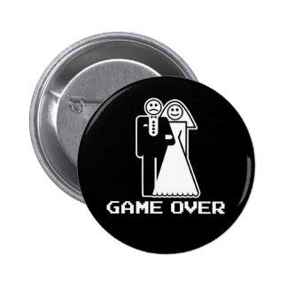 Juego sobre juego de la boda sobre la camiseta div pin redondo 5 cm