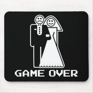 Juego sobre juego de la boda sobre la camiseta div tapete de raton