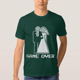 Juego sobre juego de la boda sobre la camiseta playera