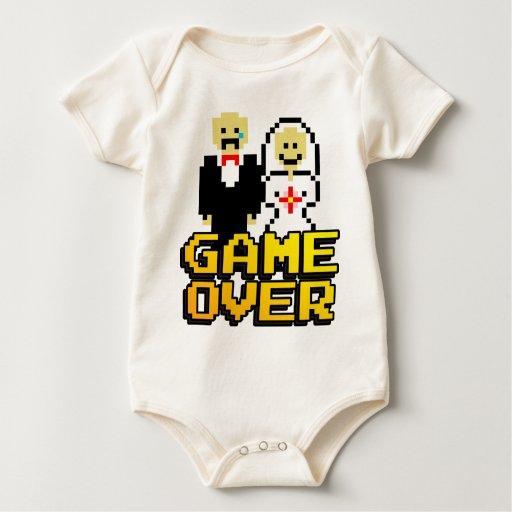 Juego sobre la boda (de 8 bits) traje de bebé