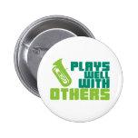 Juegos bien con otros - tuba pin
