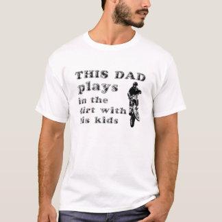 Juegos del papá en la camiseta del motocrós de la